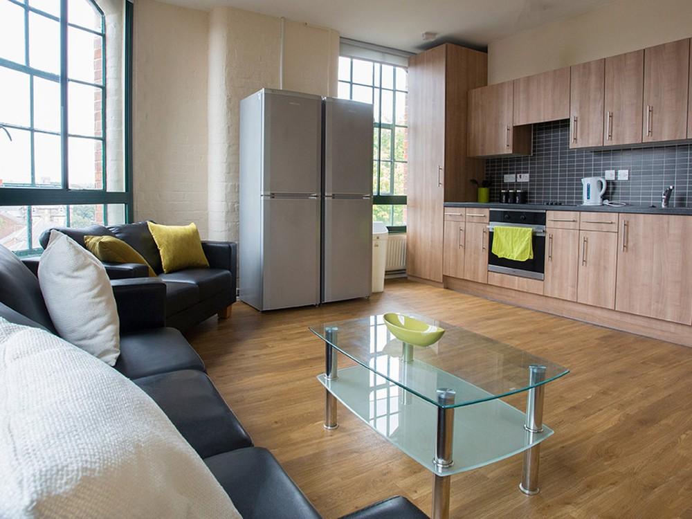 Nottingham Square : Deluxe 5 Bed (Non En Suite) ...